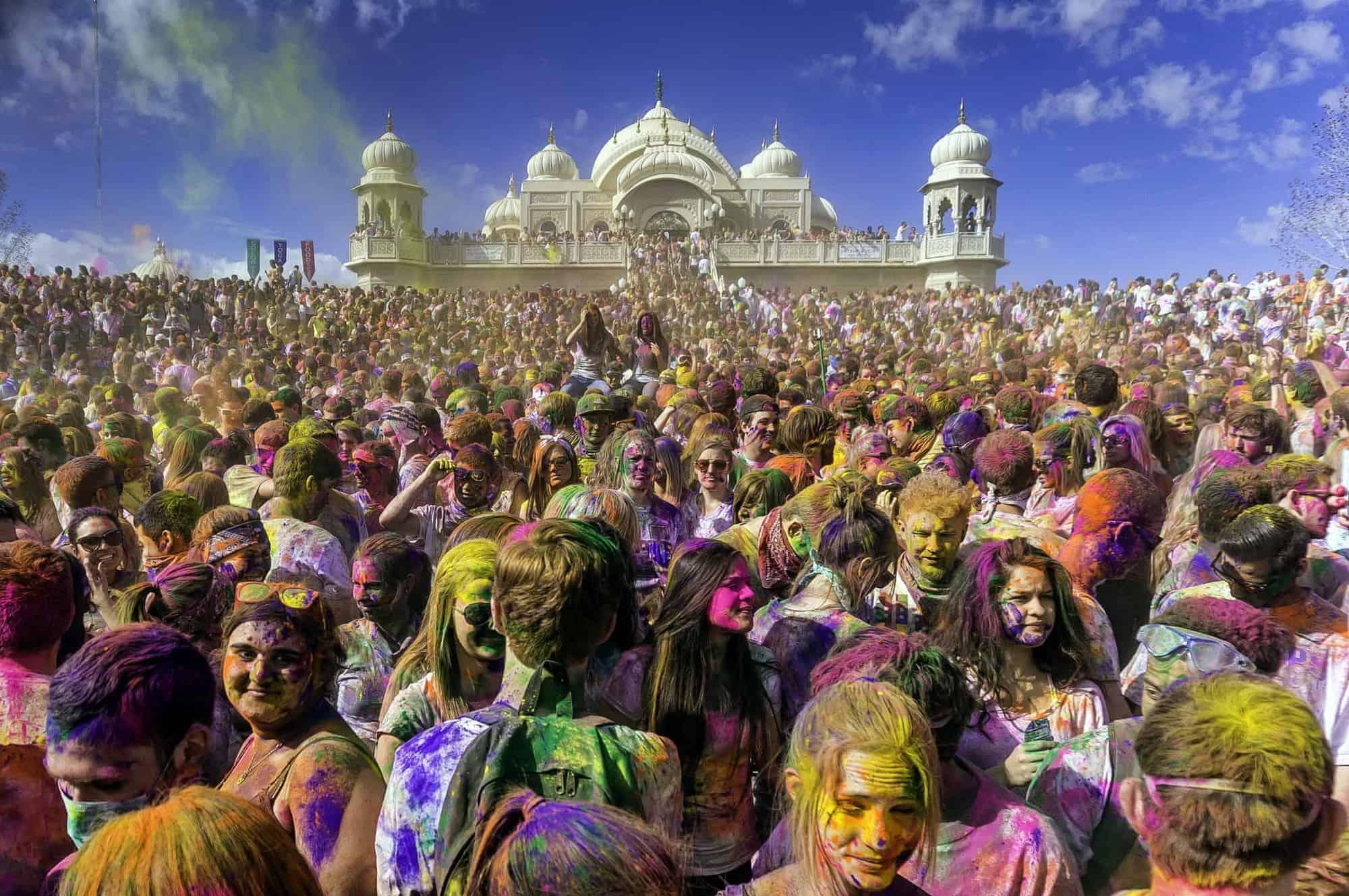 10 प्रसिद्ध और सबसे लोकप्रिय भारतीय त्यौहार