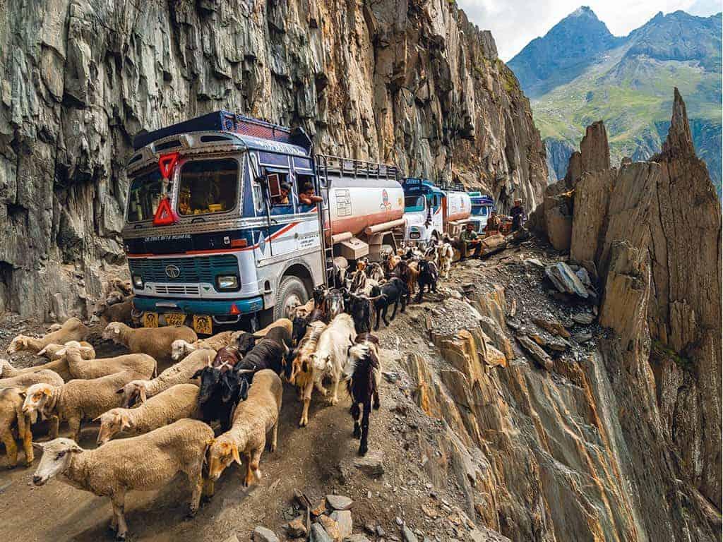 ख़तरनाक भारतीय सड़कें